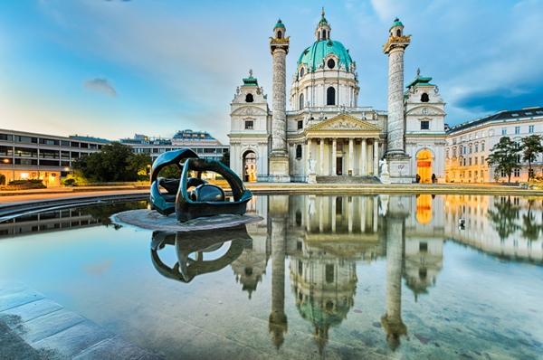 Karlskirche, Viena