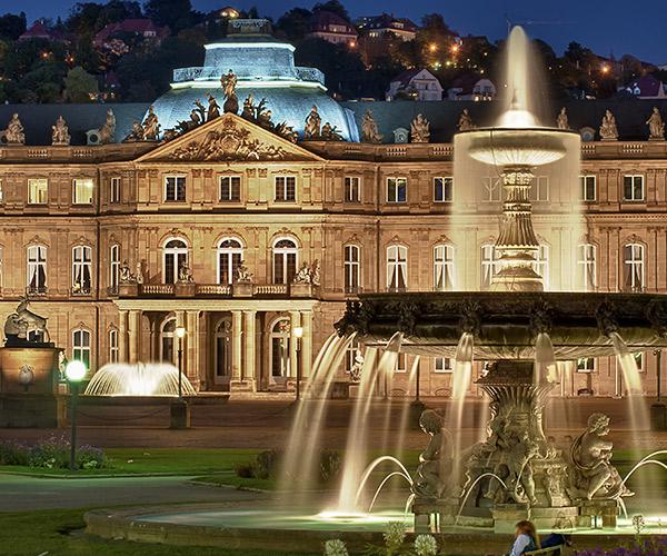 Fantana la Neues Schloss, Stuttgart, Germania