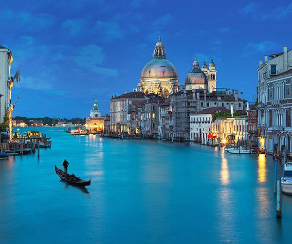 Venetia, Canal Grande si Basilica Santa Maria delle Salute